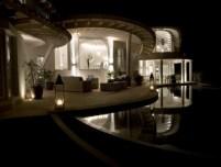 02-luxury-villa-in-a-contemporary-neutral-scheme