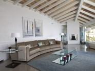 04-luxury-villa-in-a-contemporary-neutral-scheme