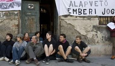 Photo of Vége a kilakoltatási moratóriumnak, mától bárkit az utcára rakhatnak
