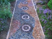 amazing-pebble-garden-paths-34