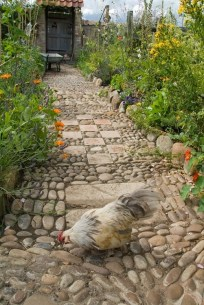 amazing-pebble-garden-paths-9