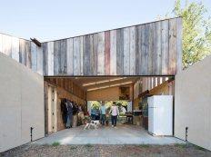 new-studio-barn-features-100-year-old-barn-board-siding-3-farm-zone-thumb-630x472-26108