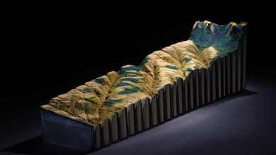 Photo of Az Erózió Áldozata : művészien faragott Encyclopedia Britannica