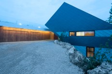 geometric-home-emerges-lime-cliff-15-side-view-thumb-630x419-27898