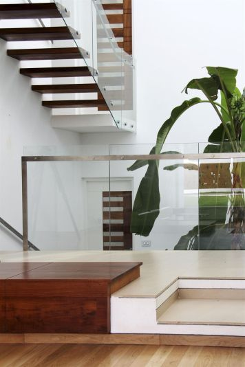 runningwallresidenceLIJO-RENY-Architects.jpg10