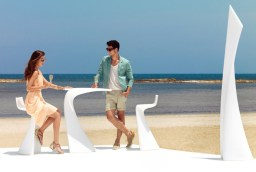 vondom-wing-garden-furniture-collection-by-a-cero-2-thumb-630xauto-40545