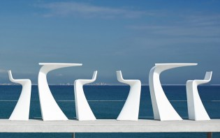 vondom-wing-garden-furniture-collection-by-a-cero-7-thumb-630xauto-40555