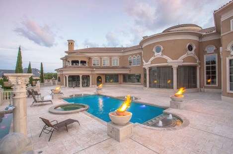 Luxury-Palm-Royale-property-for-sale-30