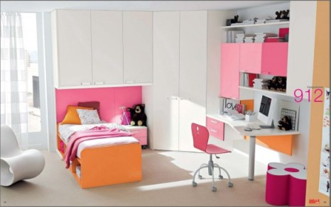 pink-and-orange-room-582x364