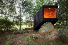 cute-cabin-deep-forest-shelter-elements-5-window-thumb-630xauto-45269