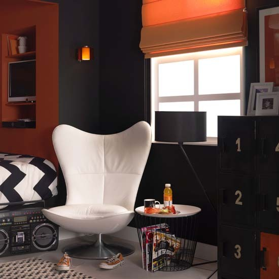 Black-and-orange-teenage-boys-room-ideal-home-housetohome.co.uk