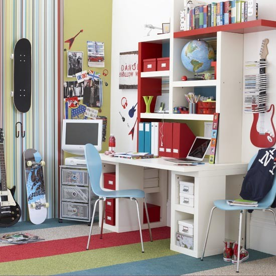 Striped-teenage-boys-room-ideal-home-housetohome.co.uk