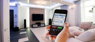 Bármilyen okostelefonról, vagy számítógépről is vezérelhető a családiház