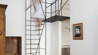 Photo of Minimalista lépcső design egy 100 éves milánói lakásban