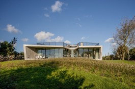 W.I.N.D.-House-in-Holland-by-UNstudio