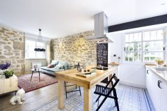 small-apartment-in-Spain-difference-in-flooring