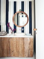 Bathroom-vertical-masculine-stripes-wallpaper
