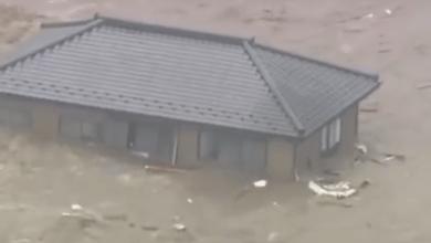 Photo of A könnyűszerkezetes ház úszik a víz tetején (brutális videó)