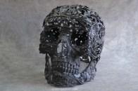 black-metal-skull-sculpture-600x400