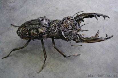 metal-beetle-sculpture-600x400