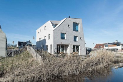 house-as-a-rock-global-architects-3