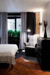 Apartment-UV-bedroom-reading-corner