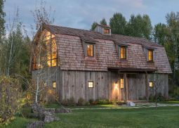 Barn-Hay-converted-into-a-modern-guest-house