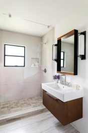 Stylish-small-bath-by-Brown-Design-Group-900x1350