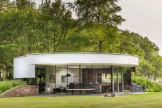 360-degree-views-to-garden-from-this-villa
