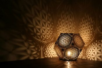 Flower-of-Life-Dodecahedron-Table-Light-900x600