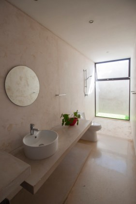 Merida-residence-designed-with-simple-and-pleasant-materials