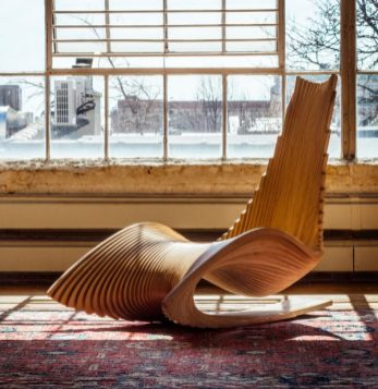 wooden-sculptural-chairs-600x617
