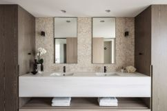 Calm-and-functional-this-is-a-perfect-arrangement-for-a-master-bathroom