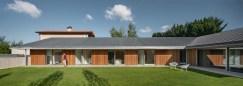 Casa-Öcher-features-zinc-concrete-and-wood-on-the-exterior