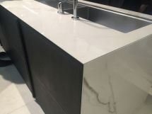 Glass-waterfall-countertop-design