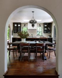Kitchen-and-dining-room-design-with-a-spanish-feel