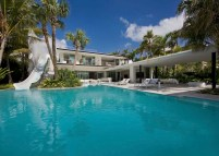 Pine-Tree-Miami-residence-with-a-pool-and-a-waterslide