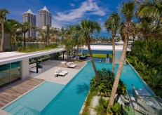 Pine-Tree-Miami-waterfront-house-with-exotic-landscape