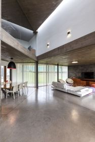 San-Luis-family-home-unusual-layout