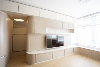Small-apartment-remodel-in-Hong-Kong-is-minimalist-bright-and-open