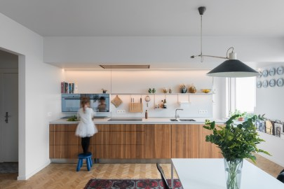kitchen-along-one-wall