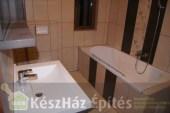 EnergyFriendHome kulcsrakész családi ház fürdőszoba