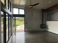 Noosa-Verrierdale-House-with-polished-concrete-floors-by-Gibson-Building