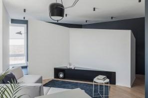 blue-themed-living-room