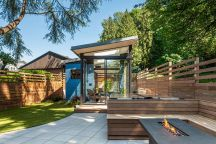 Backyard-Reading-Retreat-Deck-Seating