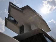 Concrete-Zaha-Hadid-Capital-Hill-Residence