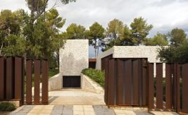 El-Bosque-House-in-Spain-by-Ramon-Esteve-Garage