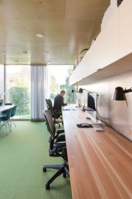 Architect-Randy-Bens-Shipping-container-Office-Interior
