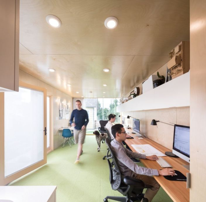 Architect-Randy-Bens-Shipping-container-Office-long-desk