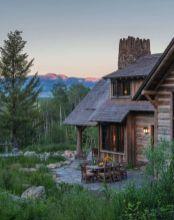 Rustic-mountain-residence-in-in-Teton-Valley-Wyoming-Mountain-views